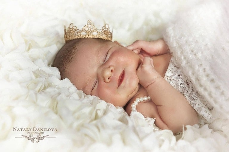 newborn baby photo with a crown, Newborn photo session DC