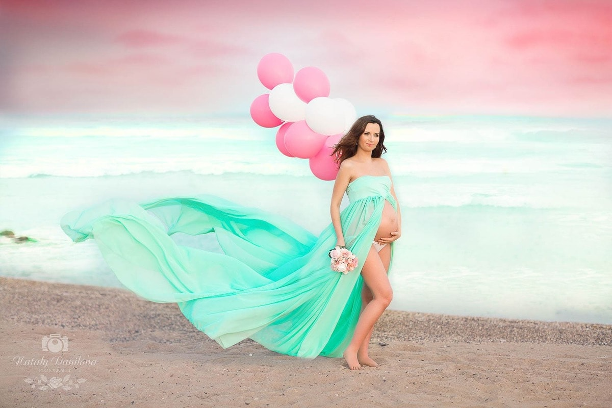 Maternity session on the Atlantic Ocean